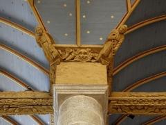 Eglise Notre-Dame - Blochet de l'église Notre-Dame de Bodilis (29). Anges de la Passion, avec lance et échelle.