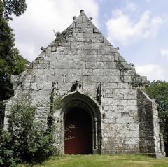 Chapelle Saint-Vennec - Français:   Chapelle Saint-Venec de Briec (29). Façade occidentale.