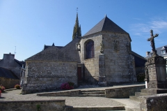 Eglise Saint-Clet - This building is inscrit au titre des Monuments Historiques. It is indexed in the Base Mérimée, a database of architectural heritage maintained by the French Ministry of Culture, under the reference PA00089869 .