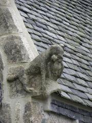 Eglise Sainte-Nonne et Saint-Divy - Sculpture amortissant l'un des pignons du collatéral nord de l'église Sainte-Nonne de Dirinon (29).