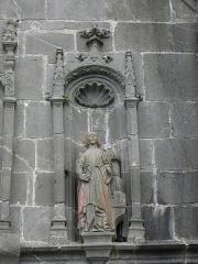 Eglise Notre-Dame de Rumengol - Français:   Sainte-Barbe. Statue de la façade occidentale de l\'église Notre-Dame-de-Rumengol au Faou (29).