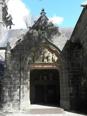 Eglise Notre-Dame de Rumengol - Français:   Porche sud de l\'église Notre-Dame-de-Rumengol au Faou (29).
