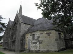 Eglise Notre-Dame de Rumengol - Sacristie et façade méridionale de l'église Notre-Dame-de-Rumengol au Faou (29).