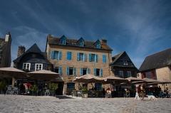 Maison - Français:   Le Faou - Maisons à encorbellement datant du XVIème siècle