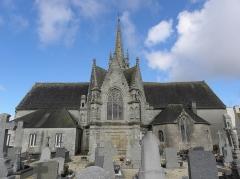 Eglise Saint-Pierre - Français:   Chevet de l\'église Saint-Pierre de Guiclan (29).