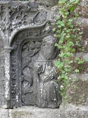 Fontaine de Saint-Thivisiau - Français:   Détail de la fontaine Saint-Thivisiau à Landivisiau (29).