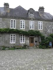 Vieille maison - Français:   Maison - PA00090093 Place de l\'Église à Locronan (29). Parcelle I 183. Section centrale.