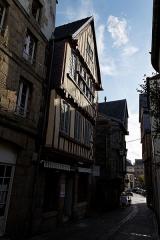 Immeuble -  Un immeuble au 13 rue Ange-de-Guernisac à Morlaix