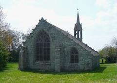 Chapelle de la Madeleine - Français:   Chevet de la chapelle de la Madeleine en Penmarc\'h, Finistère, Bretagne, France.