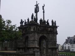 Eglise Saint-Germain, calvaire et ossuaire - Español: Recinto parroquial de Pleyben