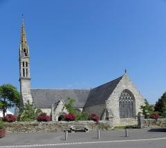 Eglise Saint-Demet - Français:   Église Saint-Démet de Plozévet (29). Flanc sud.