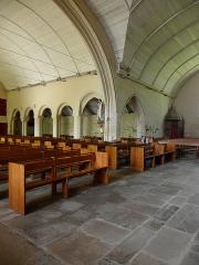 Eglise Saint-Demet - Français:   Église Saint-Démet de Plozévet (29). Élévation du collatéral nord et croisillon septentrional.