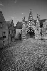 Eglise Notre-Dame de Roscudon - English: Pont-Croix Church Entrance