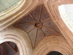 Eglise Notre-Dame de Roscudon - Croisée du transept de la collégiale Notre-Dame-de-Roscudon à Pont-Croix (29).