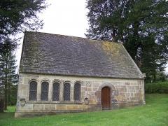 Eglise Saint-Pierre de Quimerch - Français:   Ossuaire de l\'église Saint-Pierre, Quimerch, Pays Rouzig, Bretagne