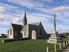 Chapelle Notre-Dame-de-Penhors - Chapelle Notre-Dame-de-Penhors en Pouldreuzic (29). Chevet et flanc sud.