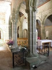 Chapelle Notre-Dame-de-Kérinec et abords - Chapelle Notre-Dame-de-Kérinec en Poullan-sur-Mer (29). Vue traversante du chœur.