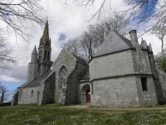 Chapelle Notre-Dame-de-Kérinec et abords - Flanc sud de la chapelle Notre-Dame-de-Kérinec en Poullan-sur-Mer (29).