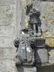 Chapelle de Saint-Tugen et abords - Statue de Sainte-Barbe au contrefort sud de la façade occidentale de la chapelle Saint-Tugen en Primelin (29).