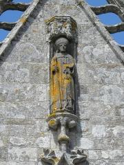 Chapelle de Saint-Tugen et abords - Statue de Saint-Tugen. Porche sud de la chapelle Saint-Tugen en Primelin (29).