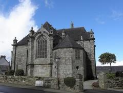 Chapelle Notre-Dame de Kergoat - Français:   Chevet et sacristie de la chapelle Notre-Dame de Kergoat en Quéménéven (29).