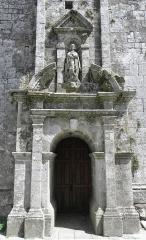 Eglise Saint-Ouen - Français:   Façade ouest de l\'église Saint-Ouen de Quéménéven (29).