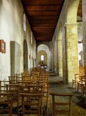 Ancien prieuré de Locmaria, ancienne caserne Emeriau - Français:   Église de Locmaria, Quimper (29). Collatéral nord.