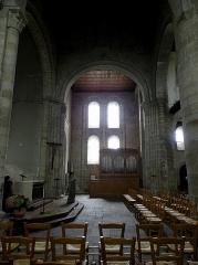 Ancien prieuré de Locmaria, ancienne caserne Emeriau - Français:   Église de Locmaria, Quimper (29). Croisée et transept sud.