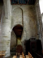 Ancien prieuré de Locmaria, ancienne caserne Emeriau - Français:   Église de Locmaria, Quimper (29). Mur ouest du croisillon nord.