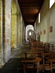 Ancien prieuré de Locmaria, ancienne caserne Emeriau - Français:   Église de Locmaria, Quimper (29). Collatéral sud.