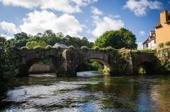 Pont Fleuri, sur l'Ellée - Français:   Pont fleuri, à Quimperlé