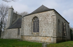 Chapelle du Moustoir - Français:   Chapelle Saint-Maurice du Moustoir en Kernével (commune de Rosporden), Finistère, Bretagne, France. Vue du Sud-Est.