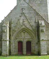 Chapelle du Moustoir - Français:   Portail occidental de la chapelle Saint-Maurice du Moustoir en Kernével (commune de Rosporden), Finistère, Bretagne, France.
