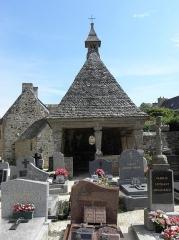Eglise Saint-Jean-Baptiste - Chapelle funéraire de l'enclos paroissial de Saint-Jean-du-Doigt (29).