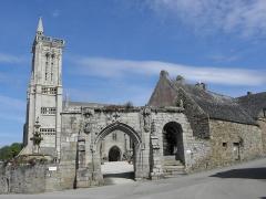 Eglise Saint-Jean-Baptiste - Enclos paroissial de Saint-Jean-du-Doigt (29).