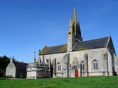Chapelle Notre-Dame-de-Tronoën - Deutsch: Saint-Jean-Trolimon (Bretagne, Finistère) Kapelle Notre-Dame-de-Tronoën und ihr Calvaire.