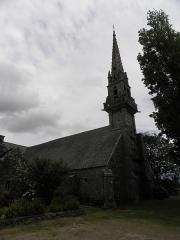 Chapelle Saint-Côme et ses abords - Clocher et flanc nord de la chapelle Saint-Côme en Saint-Nic (29).