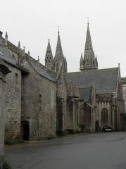 Ancienne cathédrale Saint-Paul-Aurélien - Flanc nord du chœur de la cathédrale Saint-Paul-Aurélien de Saint-Pol-de-Léon (29).