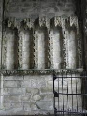 Eglise Notre-Dame du Creisker ou Kreisker - Français:   Ébrasement droit du portail septentrional de la chapelle N.D. du Kreisker à Saint-Pol-de-Léon (29).