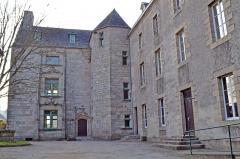 Manoir de Kéroulas - Français:   Manoir de Kéroulas à Saint-Pol-de-Léon.