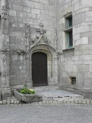 Manoir de Kéroulas - Français:   Porte principale du manoir de Kéroulas en Saint-Pol-de-Léon (29).