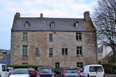 Manoir de Kéroulas - Français:   Keroulas, ancienne maison prébende bâtie dans la première moitié du XVIe siècle.