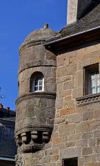 Maison prébendale - Français:   Tourelle d\'angle de la maison prébendale sise 12 Rue Général Leclerc à Saint-Pol-de-Léon (29).
