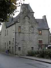 Maison prébendale - Français:   Maison prébendale 1 Place du Petit-Cloître à Saint-Pol-de-Léon (29).