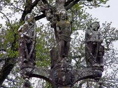 Chapelle Saint-Sébastien, arc de triomphe, calvaire et placître - Deutsch: Saint Segal (Bretagne, Finistere) Saint Sebastien, Calvaire: Sankt Sebastian