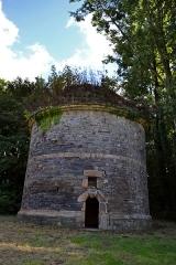 Château de Keranroux, à Ploujean - Français:   Pigeonnier du château de Kéranroux (XVIIIe siècle) à Ploujean (Morlaix, Finistère).