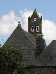 Eglise Notre-Dame - Extérieur de l'église Notre-Dame-de-Toutes-Joies de Broualan (35). Pignon occidental et clocher.
