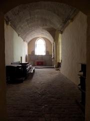 Ancienne collégiale, actuellement église Sainte-Marie-Madeleine - Intérieur de la collégiale Sainte-Marie-Madeleine de Champeaux (35). Chapelle Sainte-Barbe. Vue vers le levant.