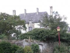 Château (également sur commune de Saint-Père, anciennement Saint-Père-Marc-en-Poulet) - Français:   Le château neuf de Châteauneuf-d\'Ille-et-Vilaine (35).