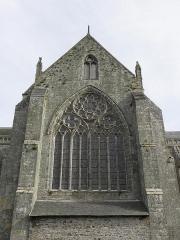 Ancienne cathédrale Saint-Samson - Vue extérieure de la maîtresse-vitre du transept nord de la cathédrale Saint-Samson de Dol-de-Bretagne (35).